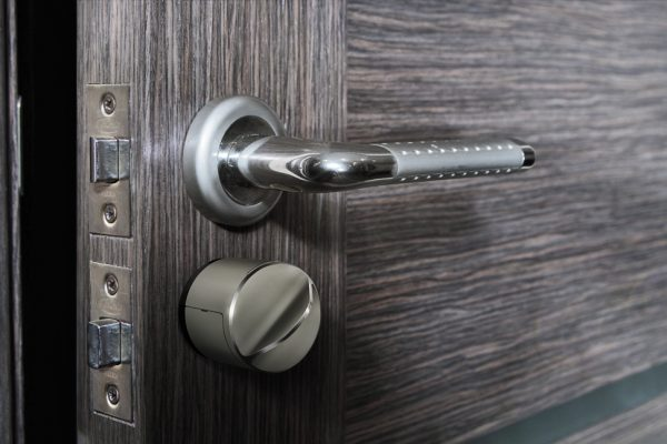 Prečo dať šancu bezdrôtovým zámkom na dvere