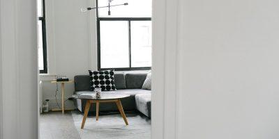 Návod na to, ako si vybrať konferenčný stolík do vašej obývačky