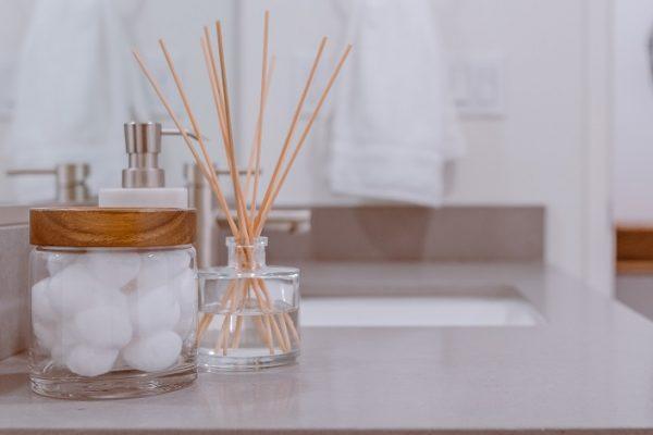 Správne upratovanie kúpeľne a aké prostriedky treba použiť